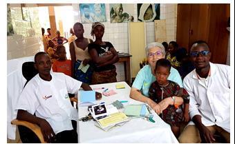El Centro Gbémontin de Benín felicita la Navidad a todos sus amigos y colaboradores
