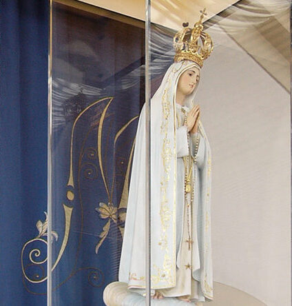 Rezo del rosario desde Fátima y otras invitaciones del Papa a la oración