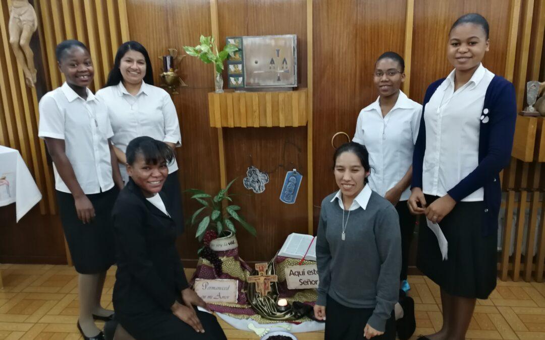 Acogemos a nuevas hermanas: 6 jóvenes comienzan el noviciado